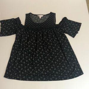 LC off shoulder blouse Meduim